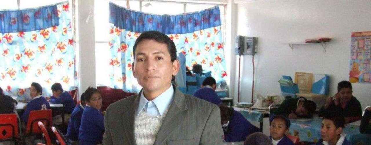 En el 2007 acusó directamente al político, entonces gobernador del Estado de México, de mandarlo golpear y violar, por sus exigencias para niños con discapacidad, así como construcción de escuelas.