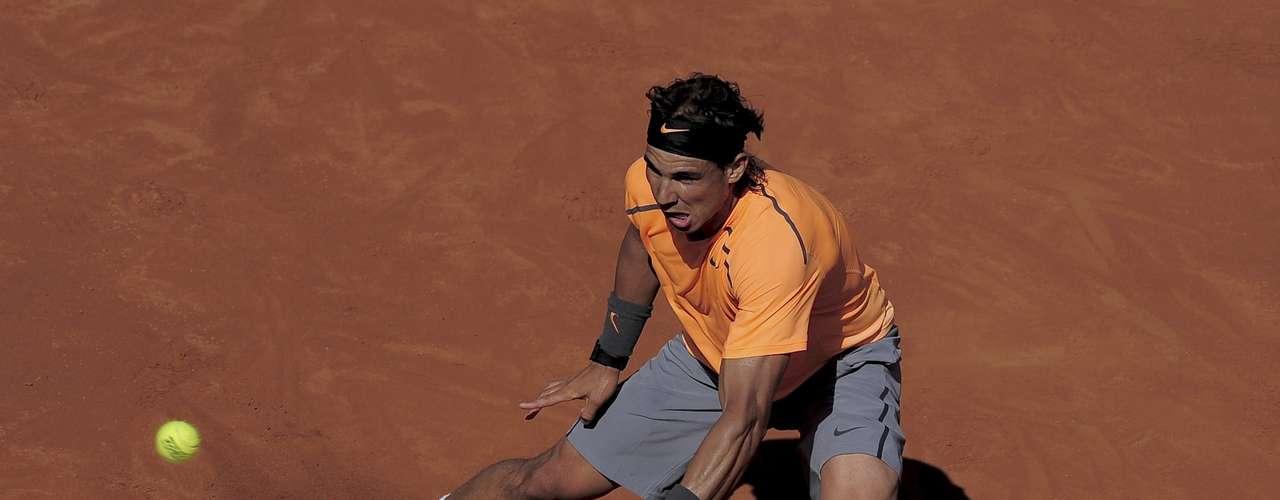 Rafael Nadal eliminó a Robert Farah del ATP de Barcelona. Esta fue la primera vez que el tenista colombiano enfrentó al español y perdió por 6-2, 6-3.