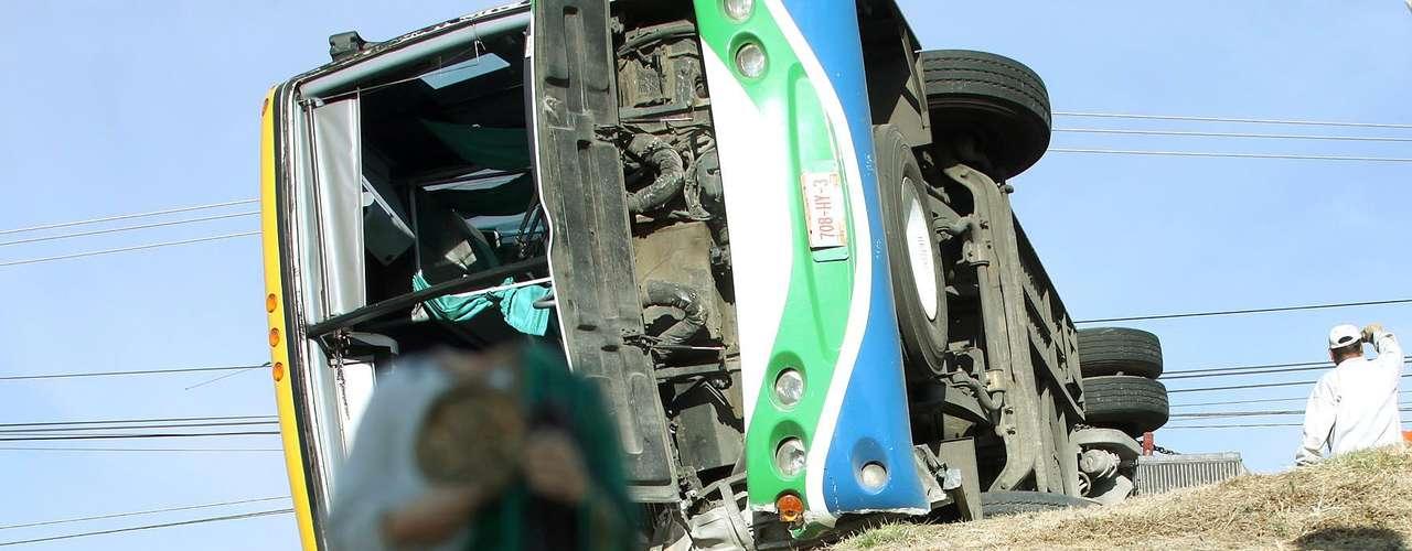 Un autobús de pasajeros se volcó el 19 de enero del 2012 debido al exceso de velocidad e imprudencia del chofer al intentar rebasar el acotamiento, dejando un saldo de 16 personas lesionadas, una de ellas de gravedad, sobre la carretera México- Pachuca, a la altura del poblado de San Antonio.
