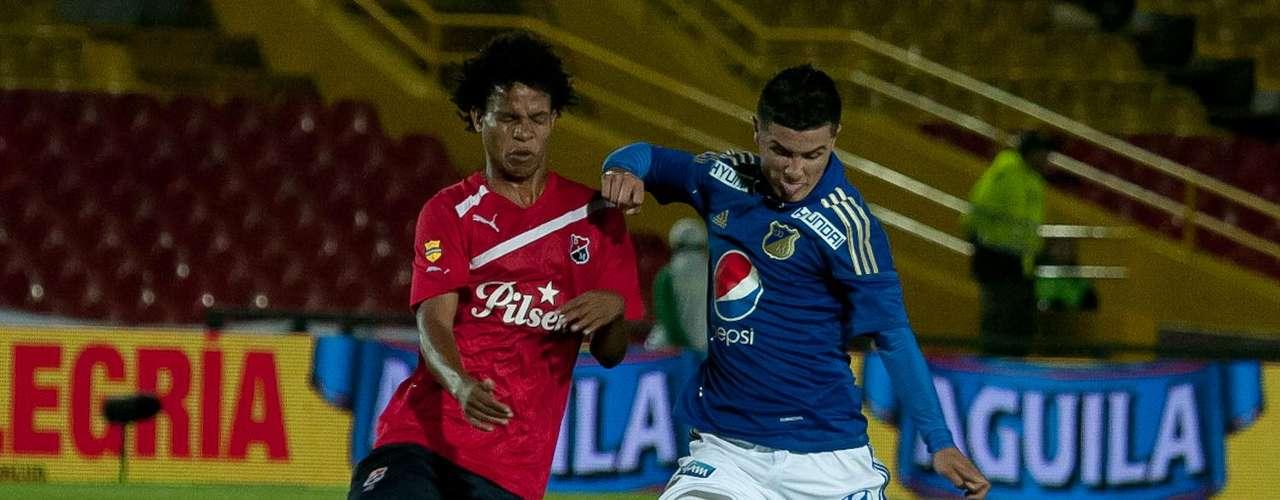 El delantero vallenato marcó dos tantos y le entregó la victoria 2-1 al cuadro azul contra Medellín, en El Campín. Humberto Osorio Botello es el goleador del campeonato con 10 anotaciones.