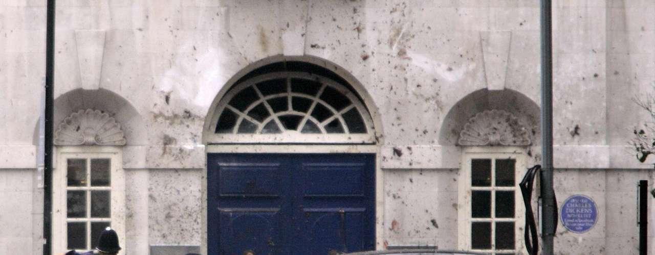 7 de julio de 2005 – Otro atentado sacudió al mundo. Cuatro explosiones en Londres dejaron 56 muertos y 700 heridos. Tres de los atentados ocurrieron en el metro y la cuarta explosión en un autobús de pasajeros.