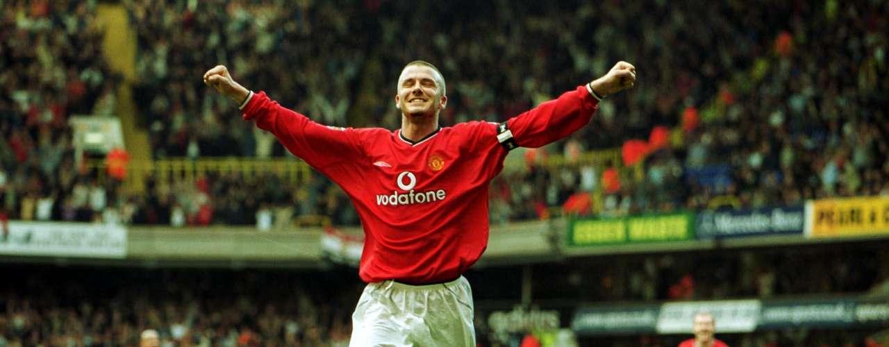 Su debut en el primer equipo del Manchester United se produce en el año 1995, de la mano de Sir Alex Ferguson.