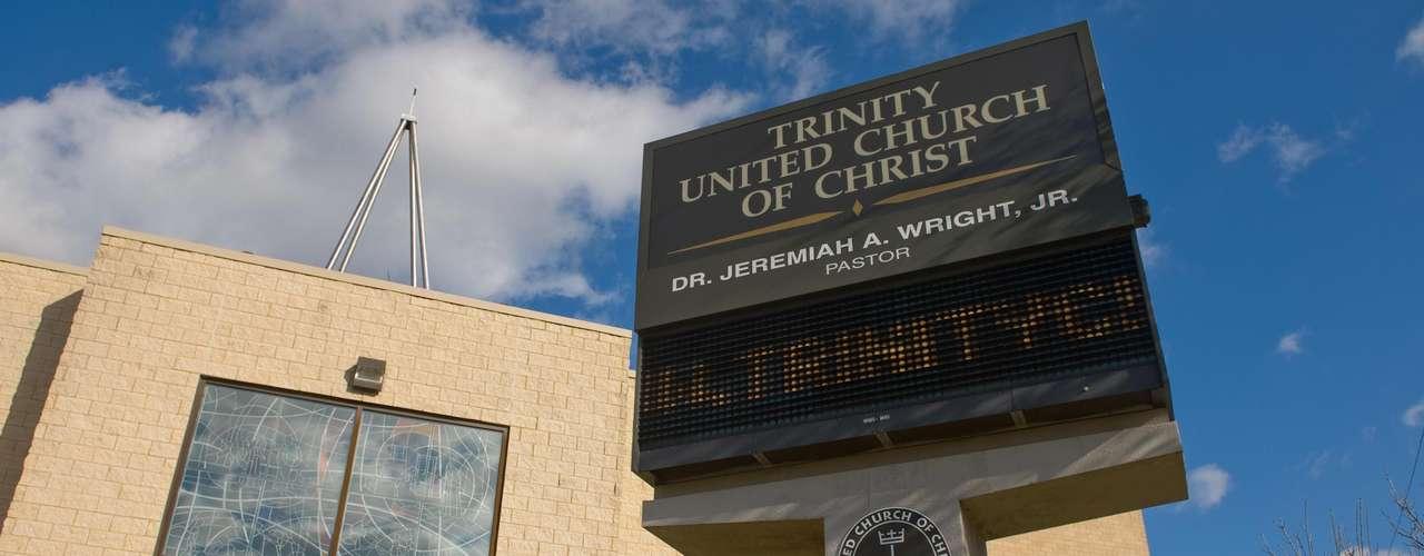 La iglesia Trinity United Church of Christ es protestante y profesa un fuerte activismo social en beneficio de los pobres, la justicia y la paz.