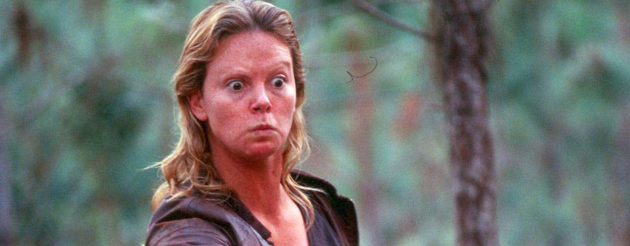 Charlize Theron se sometió a un cambio radical con mucho maquillaje e incluso piezas de utilería para 'Monster: Asesina en Serie' (2003).