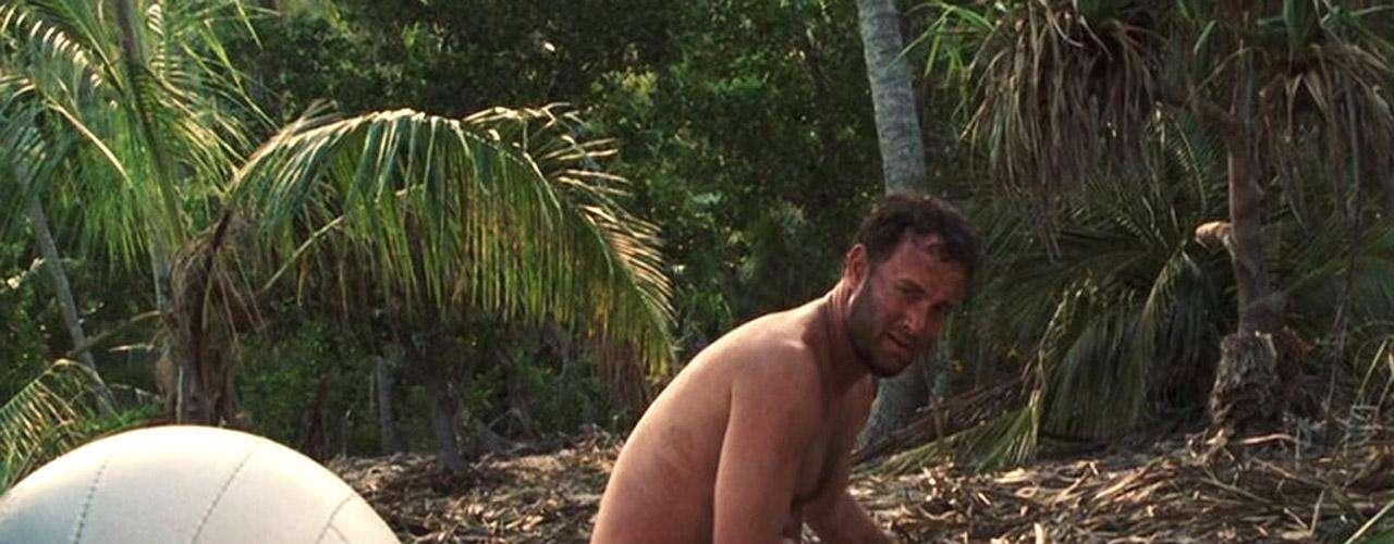Para la cinta 'Náufrago' (2000), Tom Hanks tuvo que subir y bajar de peso. Primero apareció pasado de kilos al principio, cuando su personaje acaba de llegar a la isla donde vive por mucho tiempo.