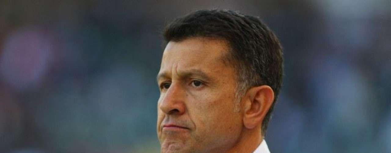 Juan Carlos Osorio firmó el jueves contrato con Atlético Nacional hasta diciembre de 2013, para remplazar a 'Sachi Escobar en el banquillo.