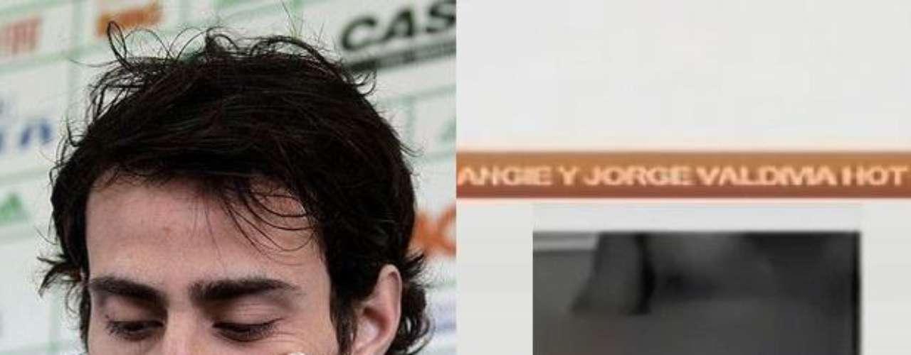 """JORGE """"MAGO"""" VALDIVIA: Hace casi un año se filtró por internet una web cam donde aparece el futbolista autosatisfaciéndose, al otro lado del computador estaba Angie Alvarado. Las imágenes corresponden a una conversación realizada hace cinco años, cuando la hija de la Geisha era menor de edad."""