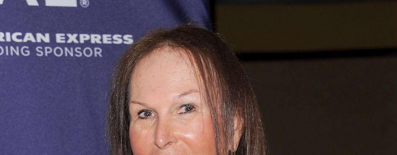 Renee Richards. Es la más famosa deportista transexual en la historia. En 1976 fue suspendida del cuadro femenino del US Open. Enfrentó una batalla legal para poder volver a competir