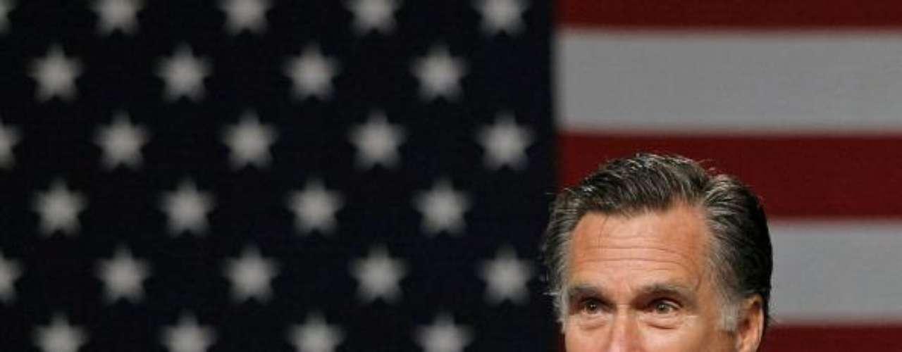Mitt Romney, quien se encamina a ser el rival de Obama por las elecciones de 2012, dio su opinión minutos después de la declaración de Obama. \