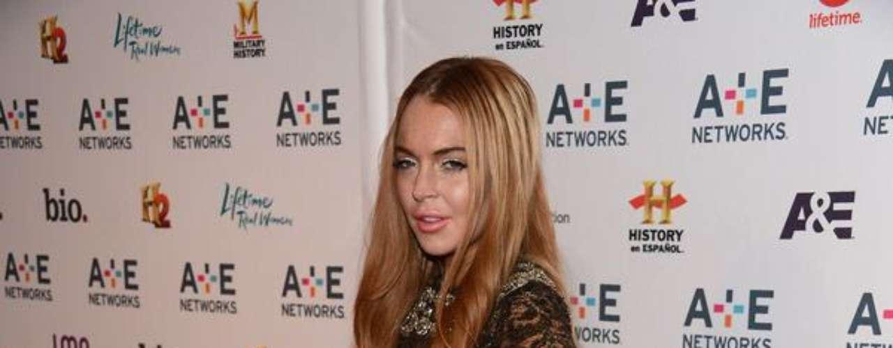 Lilo luce 'desfigurada', su rostro ha cambiado y esto se hizo notorio durante la presentación del programa de A&E, pues la actriz perdió toda su gracia facial, al parecer producto de algún tratamiento que inflamó su cara.
