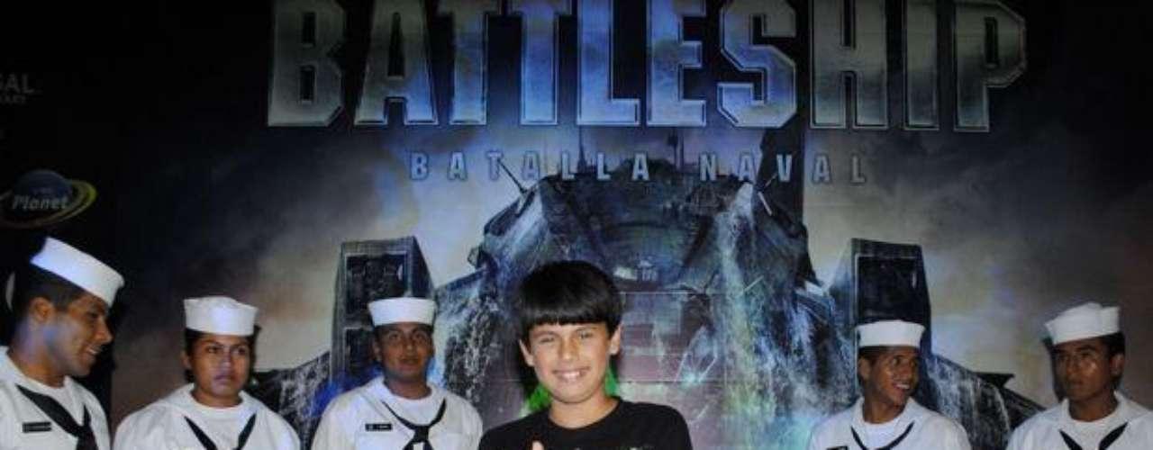 """Aarón Picasso de """"Al Fondo Hay Sitio"""" en el Avant Premiere de """"Battleship""""."""