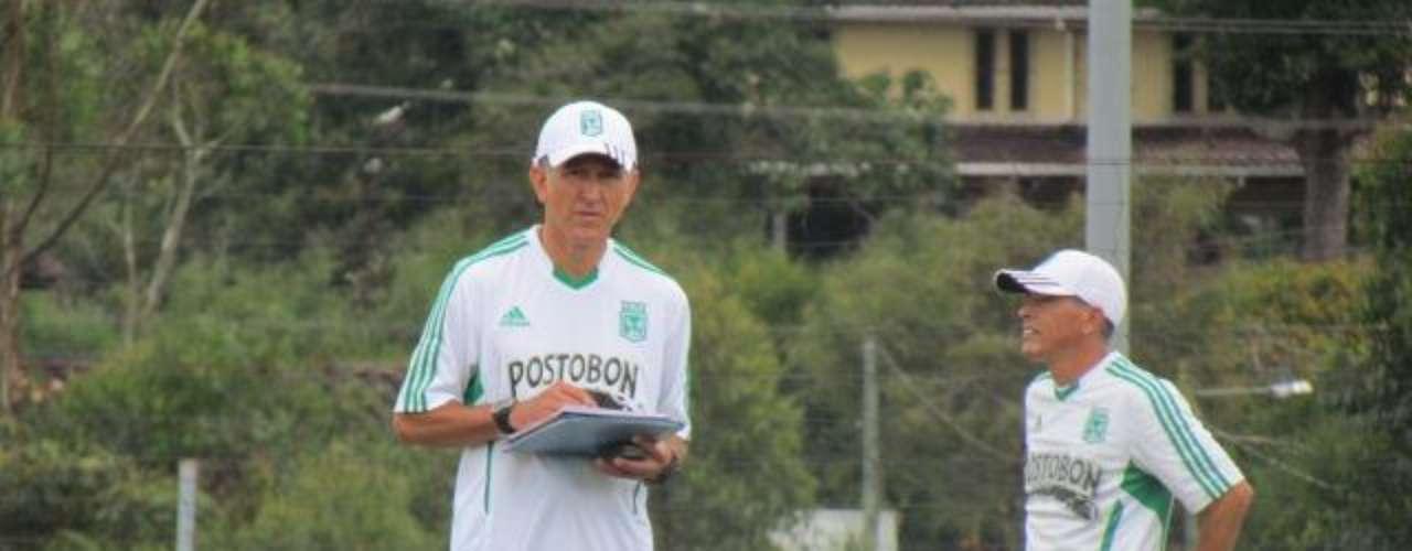 El nuevo entrenador verdolaga manifestó su complacencia por haber llegado a un equipo como Atlético Nacional, y que espera poner al servicio del club todos sus conocimientos