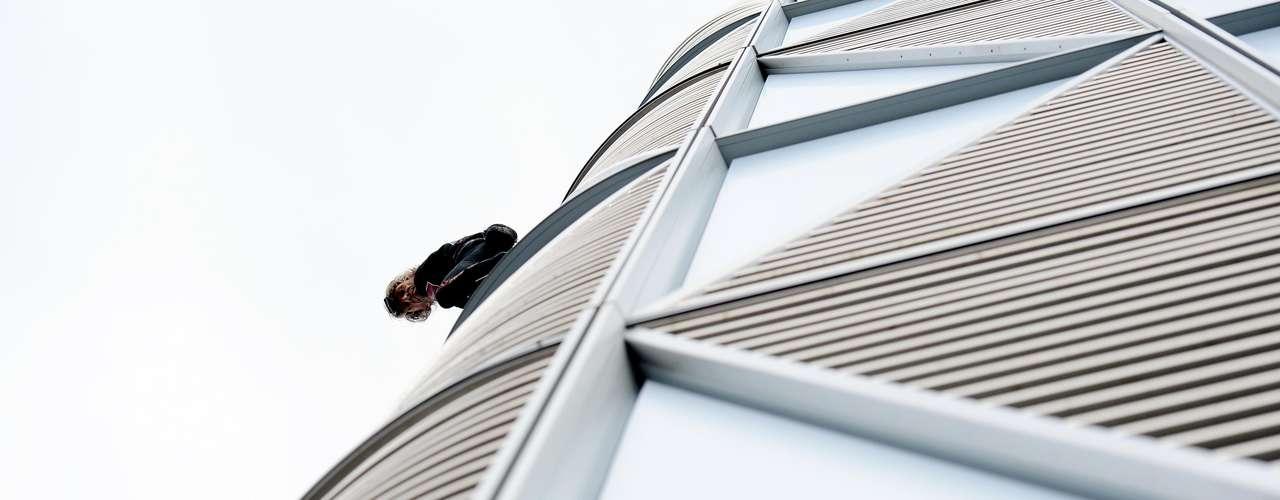 Robert ha ascendido más de 100 rascacielos y monumentos en sus 15 años de carrera como temerario escalador sin usar equipo de apoyo.