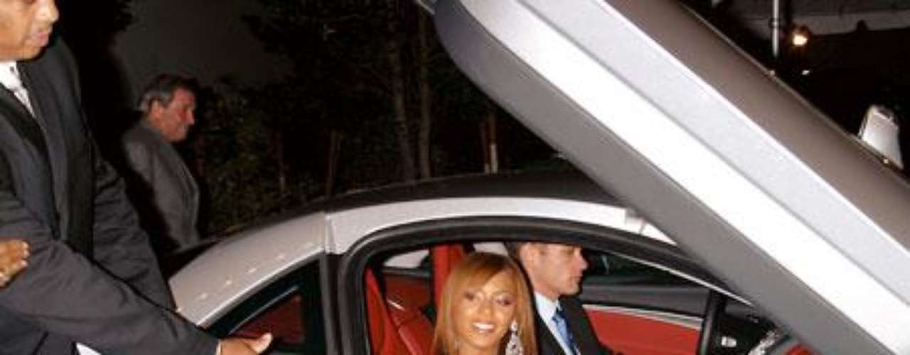 Beyoncé al bajar de un coche y sin ropa interior