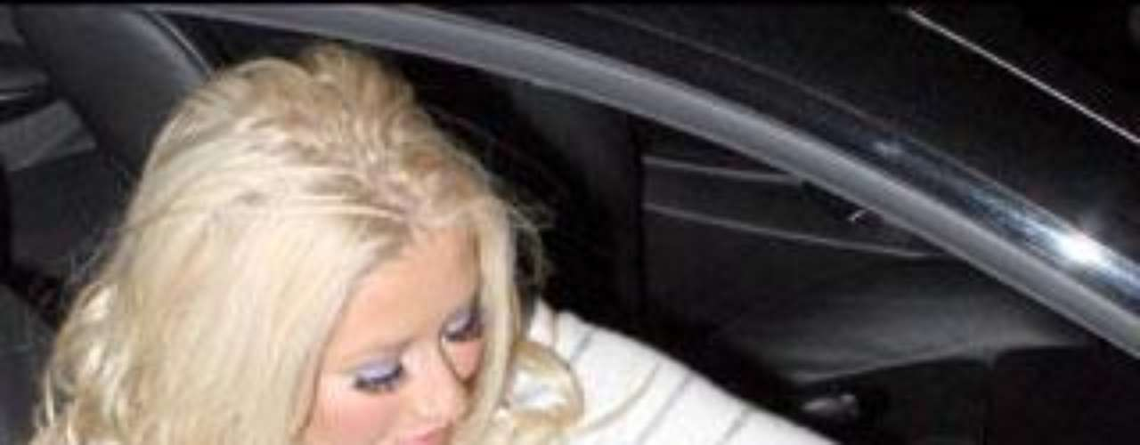 Christina Aguilera sin braguitas