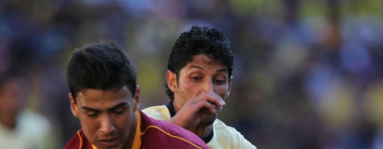 Oswaldo Alanís sería una opción para Chivas en defensa.