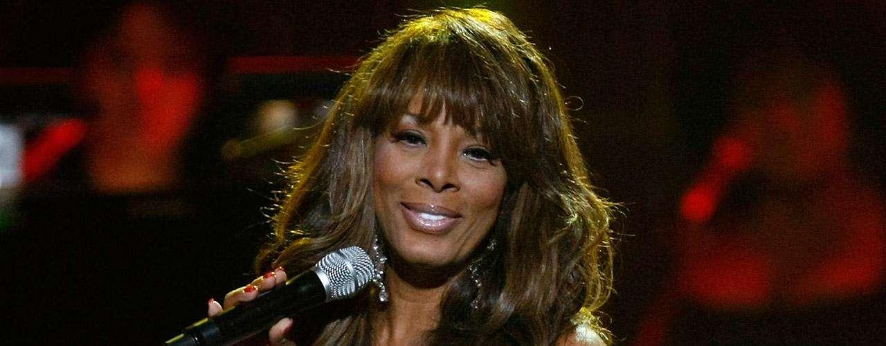 La cantante Donna Summer falleció el 17 de mayo de 2012, a causa de cáncer pulmón. Tras su muerte, se difundió que la leyenda de la música disco de los años 70 e icono de la comunidad homosexual en EU, contrajo la enfermedad por inhalar partículas tóxicas tras el derrumbe de las Torres Gemelas de Nueva York el 11 de septiembre de 2001.
