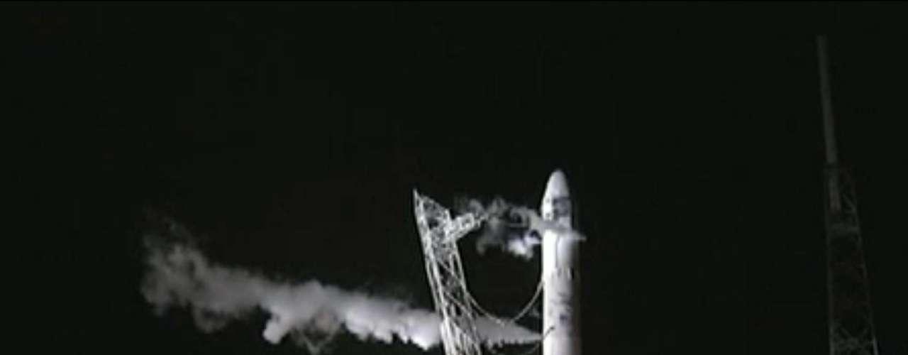 SpaceX es la primera nave espacial creada de manera privada. Su objetivo es no sólo brindar sus servicios a la NASA, por ejemplo, sino poder iniciar el turismo galáctico para 2015.