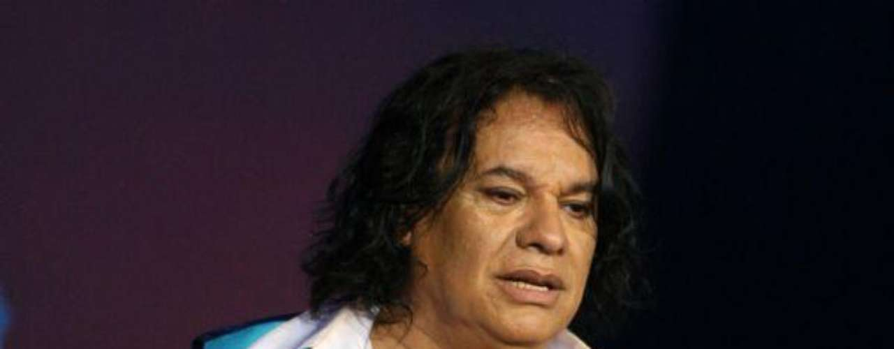 Juan Gabriel se entregó por más de tres horas al público presente en el Festival Acapulco 2012. El cantante llenó por completo el Salón Expo Imperial del Centro de Convenciones Mundo Imperial y cerró con broche de oro el evento.