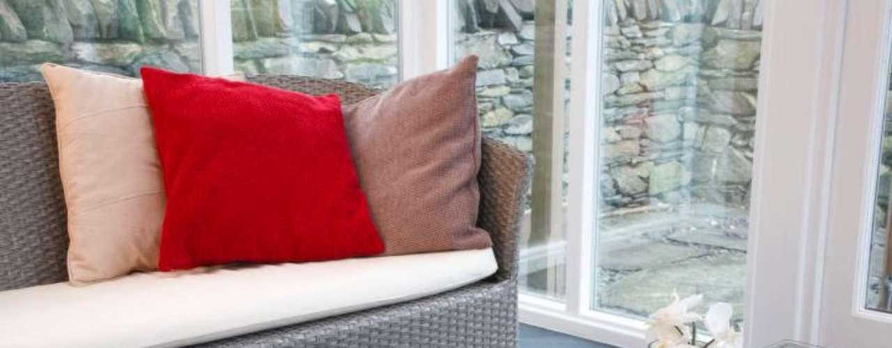 No importa el modelo del sillón: rígido, futurista, vintage o clásico, va con todo.