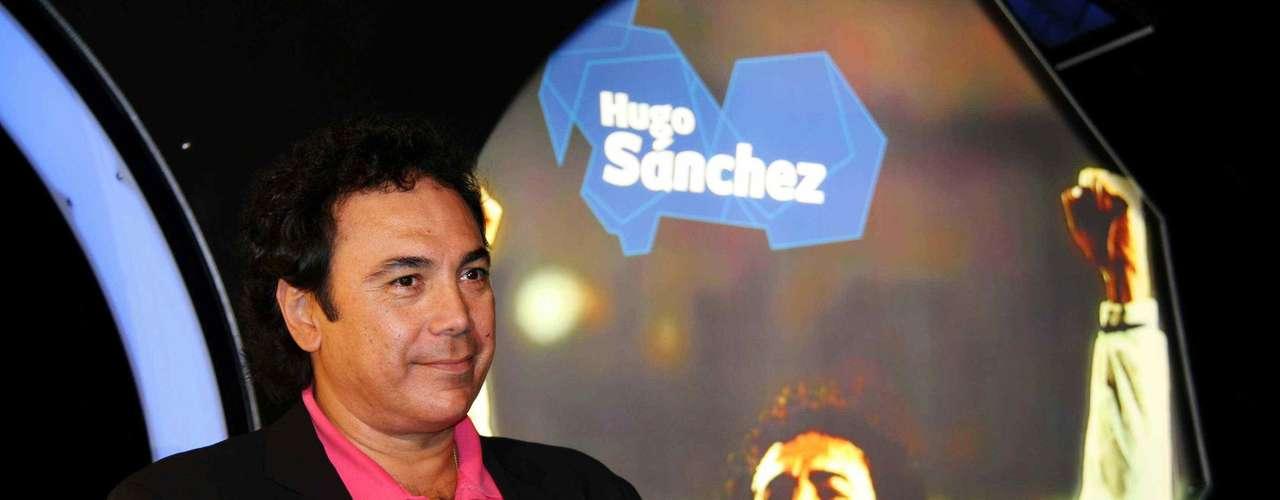 Hugo Sánchez, campeón con Pumas Apertura 2004 y Clausura 2004.