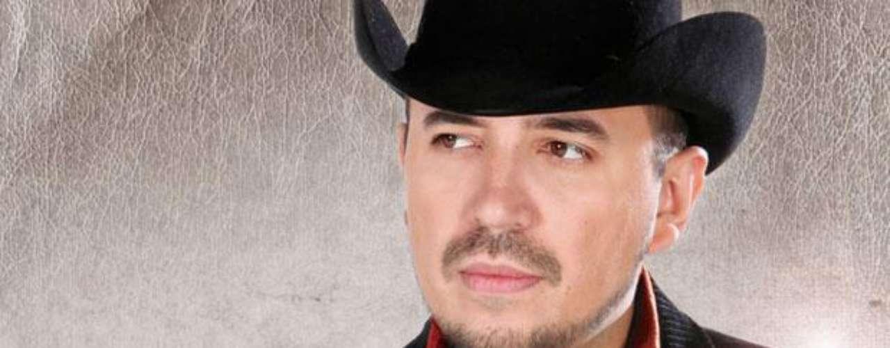 """Ya se puede escuchar en radio """"Vaciando Botellas"""", el segundo sencillo del nuevo disco de Fidel Rueda."""