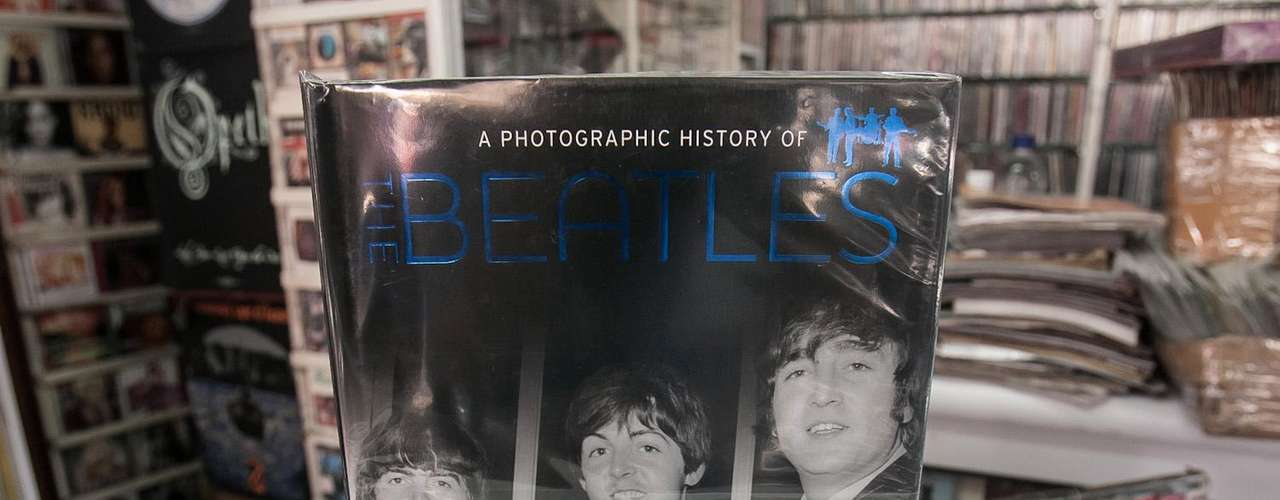The Beatles -  A Photographic History Of The Beatles.
