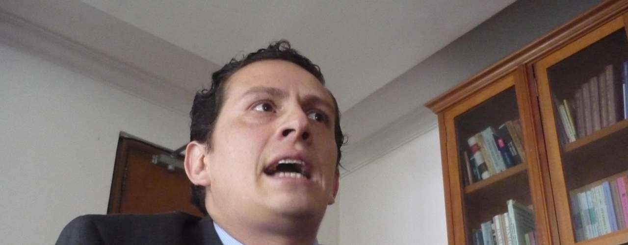 David Teleki se desempeña como abogado suplente de la defensa de Jessy Quintero; comparte lugar de trabajo con su colega Iván Cancino y ha insistido en repetidas oportunidades sobre el hecho de que la muerte de Luis Andrés Colmenares debe probarse en los estrados judiciales.