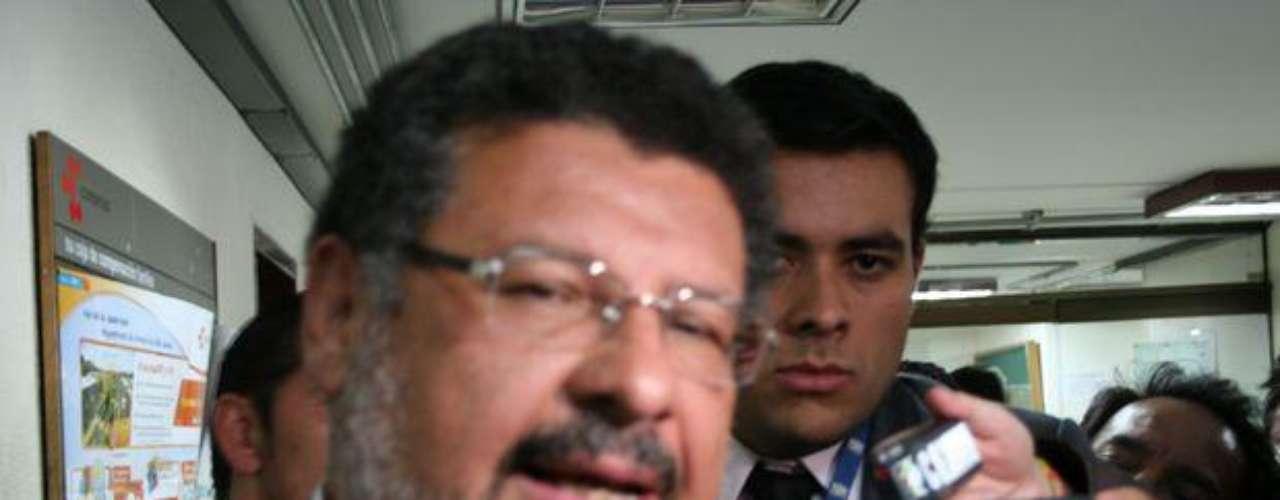 El reconocido abogado Jaime Granados (quien representa al expresidente Uribe y a su exsecretario privado, Bernardo Moreno) asumió la defensa de Laura Moreno no obstante a que de acuerdo con su colega y amigo, Jaime Lombana, sabe que su cliente miente.