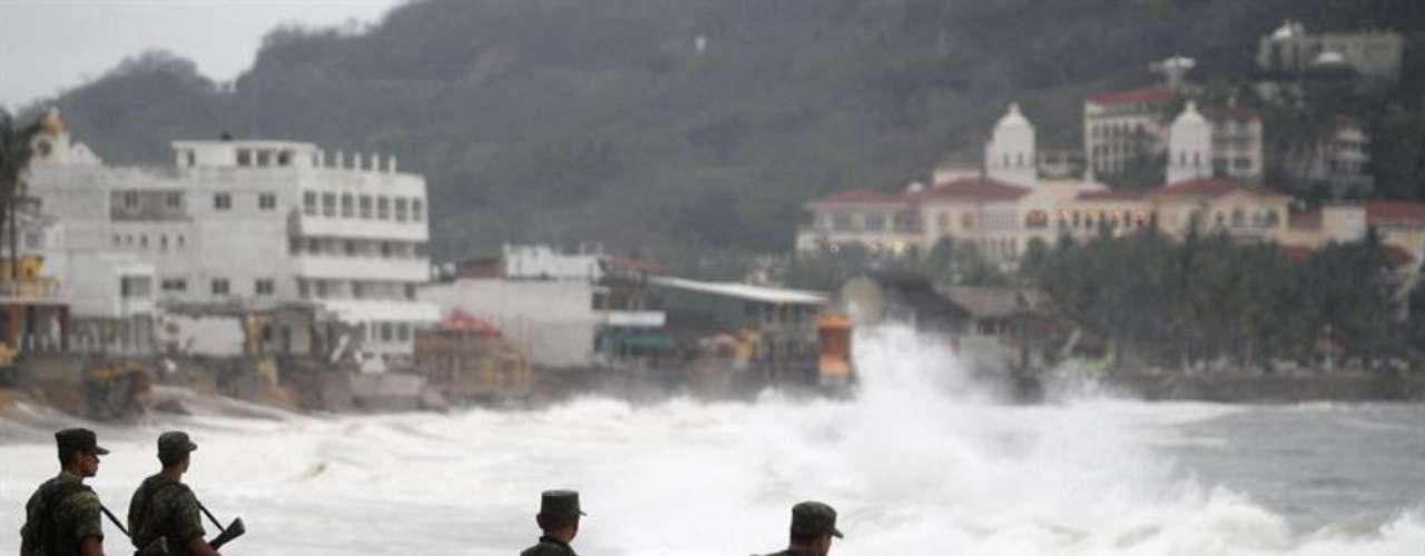 Las autoridades de estos últimos estados han recibido con un gran beneplácito las lluvias de \