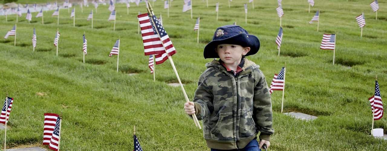Para los más pequeños, el Memorial Day sirve para conocer a aquellos héroes anónimos que dieron la vida para que todos gocen de una nación mejor. Toda una declaración de solidaridad y honor.