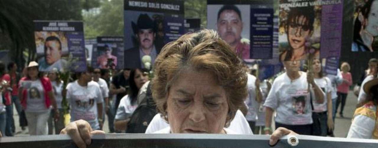Recuentos de la prensa cifran en más de 50 mil los asesinatos en México relacionados con la violencia del crimen organizado desde diciembre de 2006, cuando el presidente Felipe Calderón lanzó un operativo militar antidrogas.
