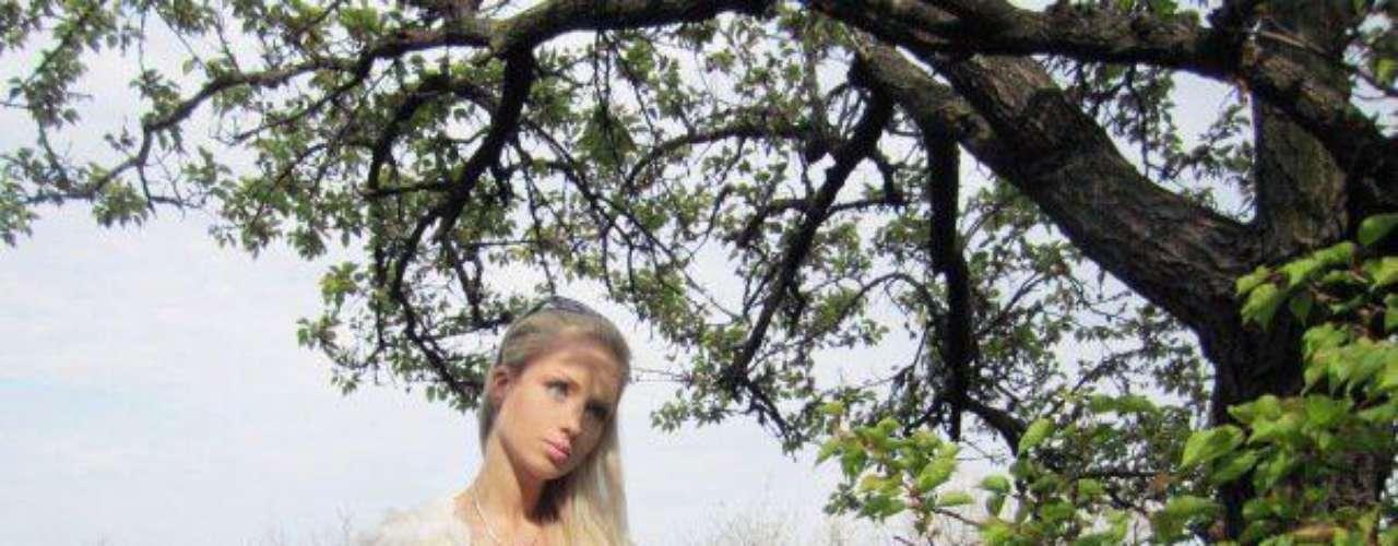 Es muy parecida a la Barbie original, pero existen versiones que su imagen ha sido retocada con photoshop. ¿Es un modelo a imitar?