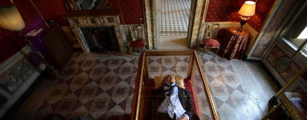 Ottocento y Garullo anticiparon además que su proyecto actual es una escultura sobre el papa Benedicto XVI que seguirá la línea marcada por su \
