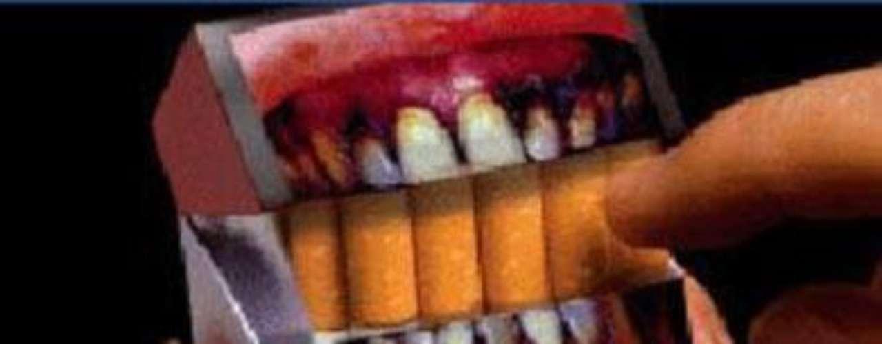Cientos de países alrededor del planeta han mostrado su preocupación por el consumo de tabaco. Esta adicción crece cada día y al parecer, las campañas han servido poco para revertir este asunto. Diversas etiquetas en las cajetillas que muestran cadáveres de fumadores, pulmones corroídos por el tabaco o bebés siendo víctimas de este hábito, no han sido suficientes para combatir este problema. Aquí te mostramos 50 imágenes de campañas publicitarias del mundo para crear conciencia de los daños que provoca el cigarro.