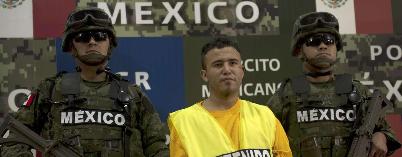 Además, en días recientes se capturó a Daniel Elizondo, alias \