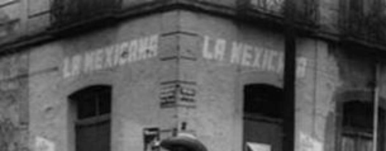 María García comentó que muchas personas e instituciones la consultan sobre la obra de Héctor. \