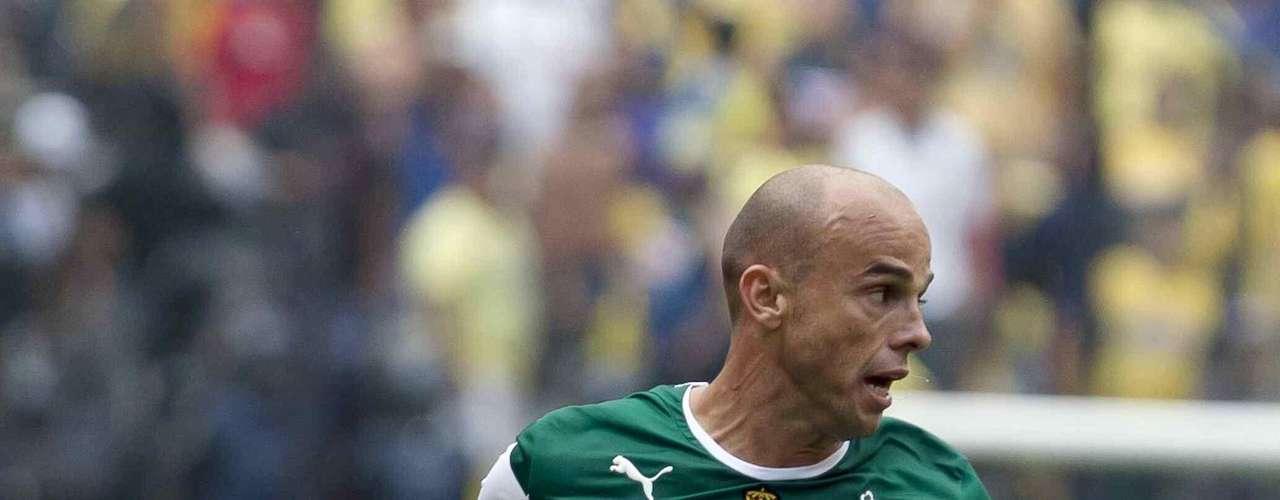 Carlos Ochoa reforzará a León.