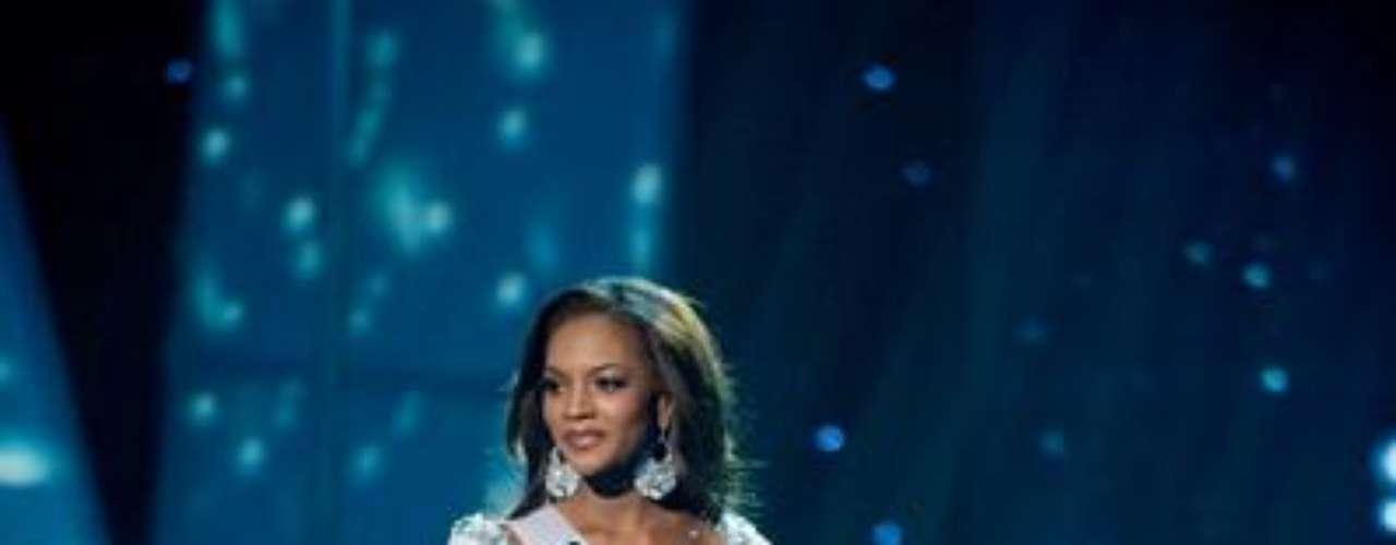 Caminando por la pasarela de Miss USA 2012, Miss Georgia, Jasmyn \