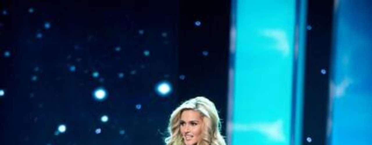 Miss Ohio Audrey Bolte,  procede de Batavia y tiene 23 años de edad