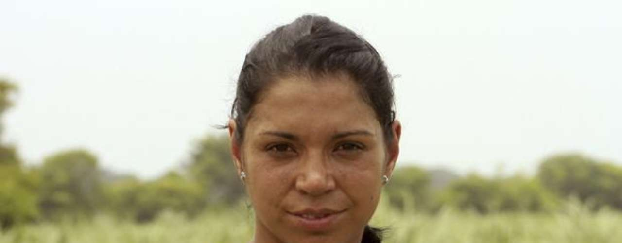 Jenny Leidy Moreno - Cachacos: Jenny es una joven y emprendedora bailarina de samba y capoeira, que vive y respira por estas dos disciplinas, las que práctica desde muy niña y a las que les dedica todo el tiempo que puede enseñando este arte en el garaje de su propia casa.