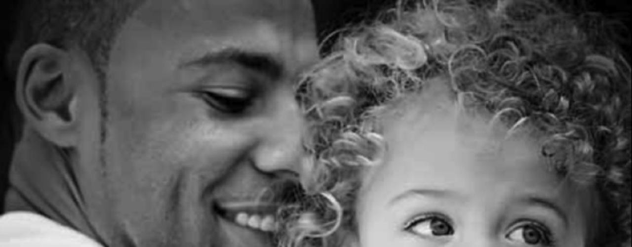 El esposo de Kendra Wilkinson y su hijo hermoso