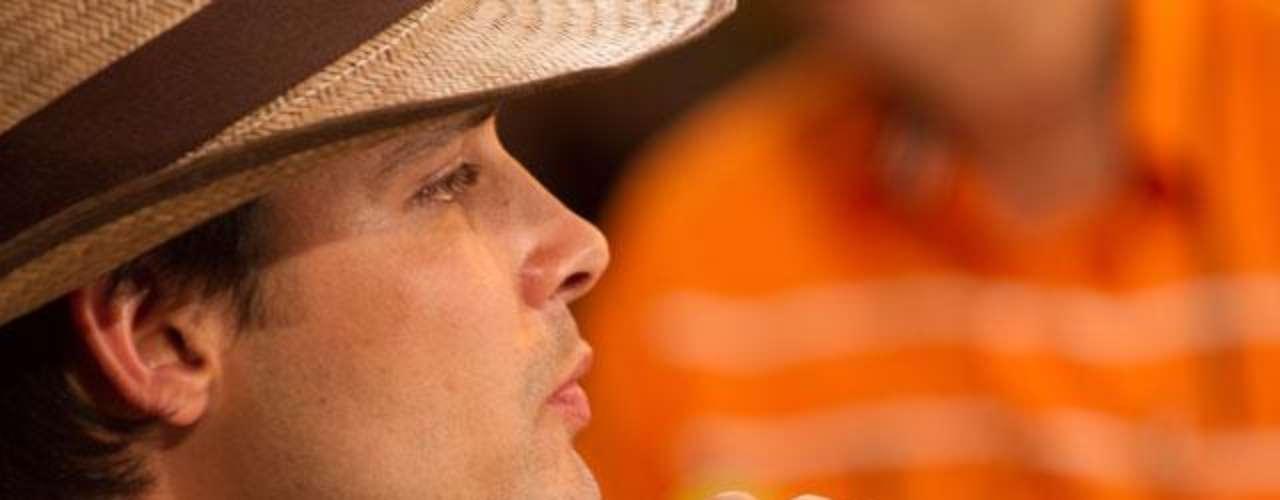 Aldemar Correa interpreta al menor de los hermanos Ochoa Vásquez, un apasionado por los caballos. 'Escobar el patrón del mal' sigue dando de qué hablar, en esta ocasión la serie viene presentando a nuevos personajes de esta trascendental historia, que tienen un gran parecido en cuanto a la interpretación y el físico de las personas que fueron las protagonistas de estos hechos en la vida real. Conoce a los personajes reales y ficticios de esta historia.
