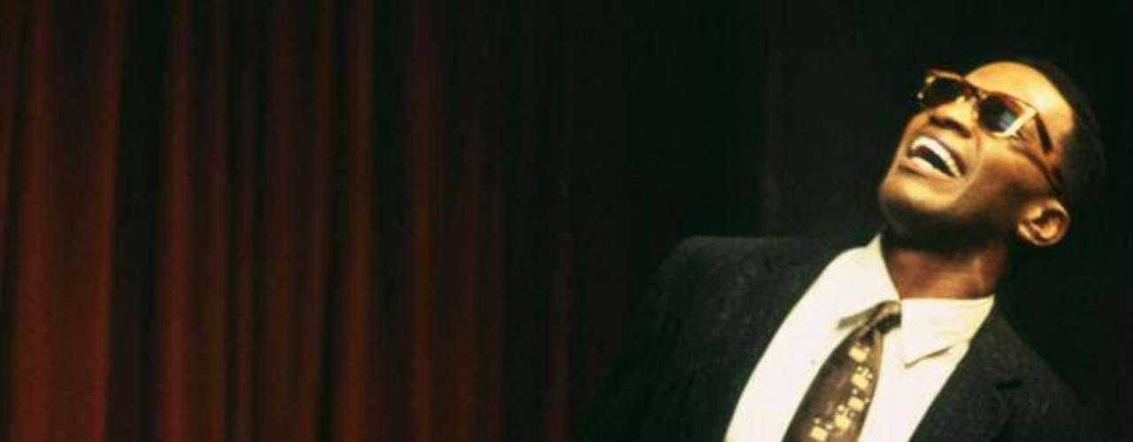Jamie Foxx como el genio del soul en el film \