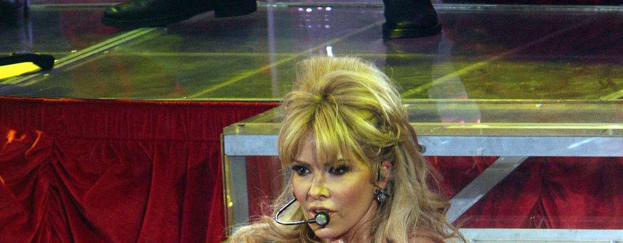 En el escenario, Gloria Trevi es una loba.
