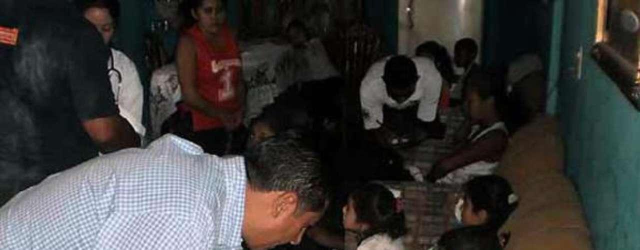 Alumnos, padres de familia y maestros pretendían llegar a el cocodrilario de El Sabino. Entre los lesionados hay varios menores, todos pertenecientes al kínder Juan Escutia, de Uruapan