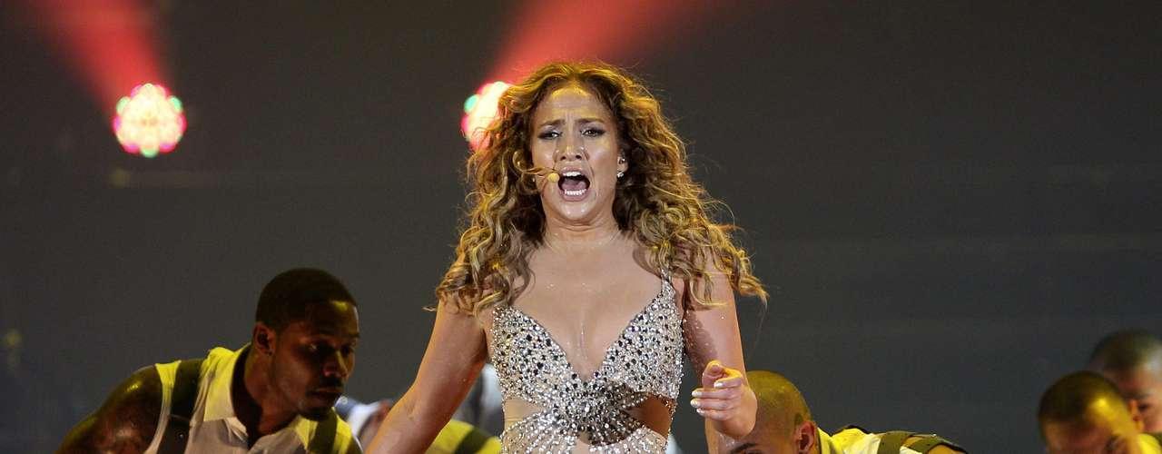 Con una puesta en escena impecable, Jennifer conquistó a los panameños.
