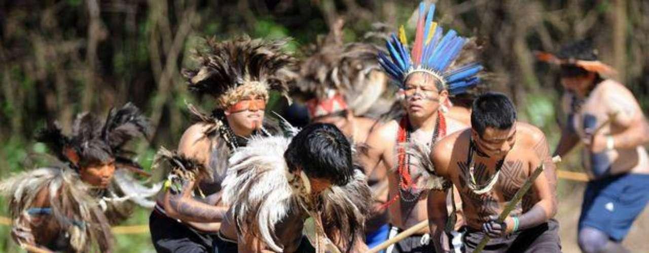 Los indios bailaron la \