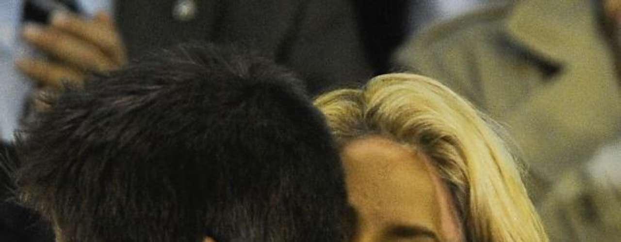 Rupturas y más rupturas. Si Shakira acude sola a un sitio o evento público de inmediato los medios comienzan a preguntarse si se trata de una pelea o hasta una ruptura con su pareja. Han sido varias las ocasiones en que se ha asegurado que la pareja ha terminado su romance solo por no verlos juntos, pero ellos mismos se han encargado de no prestar atención a estas  especulaciones llevando una relación menos mediática, algo un poco difícil.