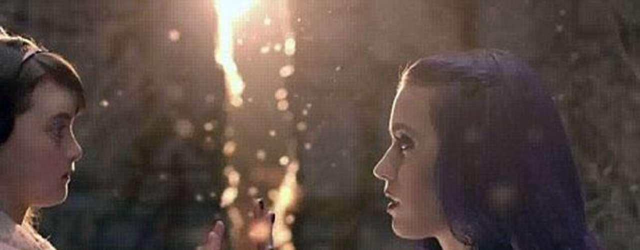 En el transcurso de la trama, se encuentra con su niña interna, quien la ayuda a seguir por el camino del bien.
